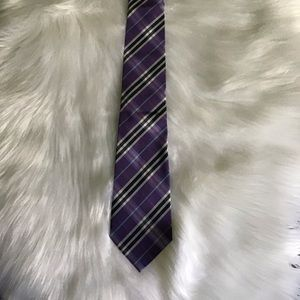 NWOT BURBERRY STRIPED MENS TIE.